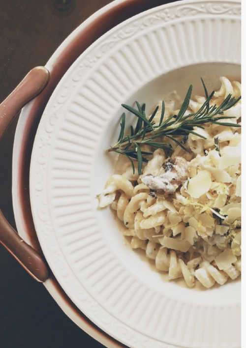 Lemon Rosemary, Mushroom and Goat Cheese Pasta